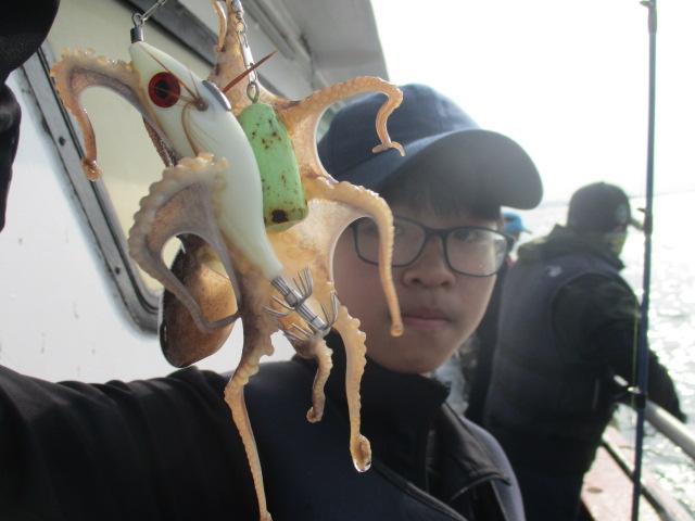 10월6일 영동2호 갑오징어 조황