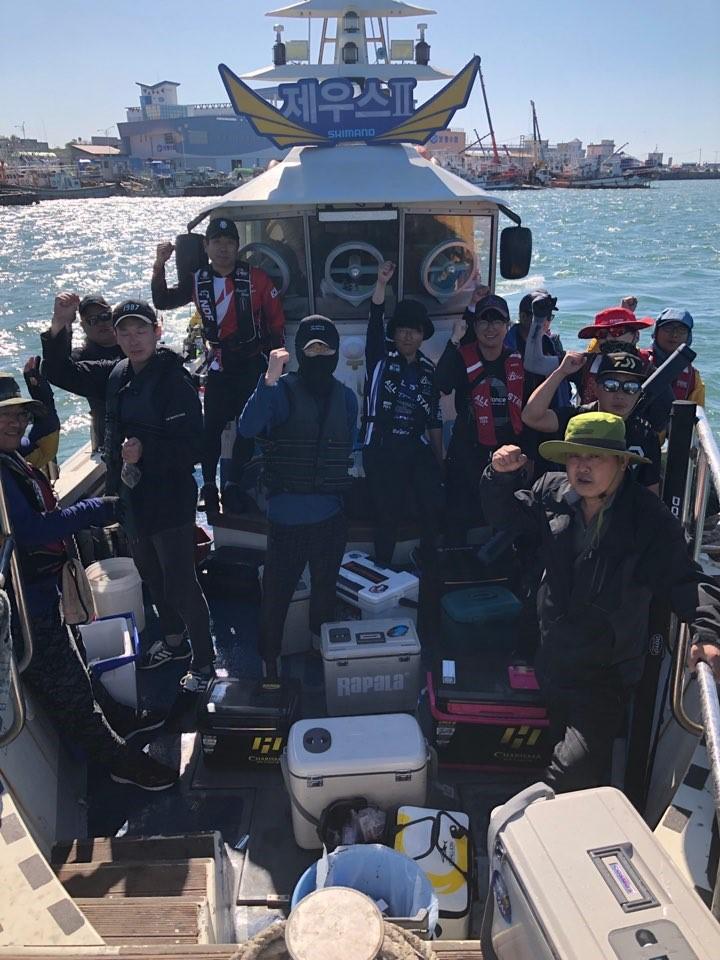 서해바다 대천항 제우스2호9월 18일  쭈꾸미 갑오징어 조행기입니다