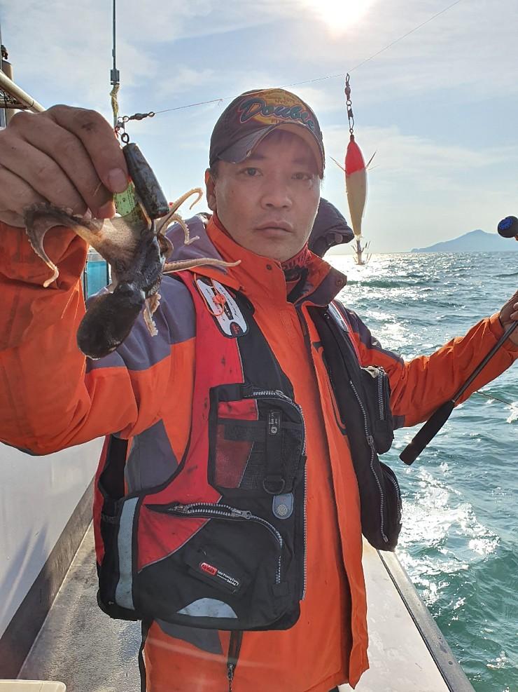 서해 바다 11월23일 대천항 제우스호 쭈,갑 조행기 입니다