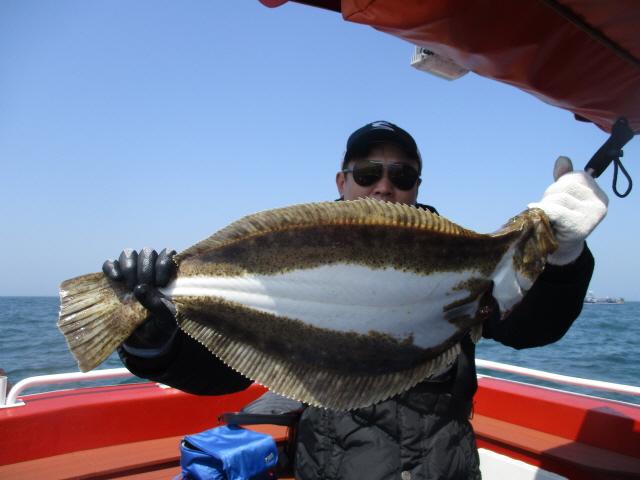 4월 22일 7짜 대광어 축하드립니다.