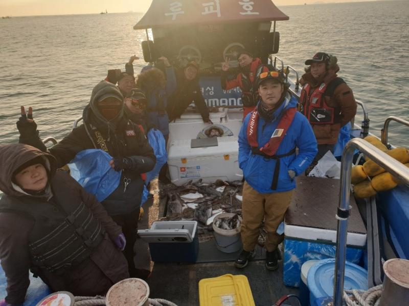 12월 15일 대천항 하이피싱 루피호 9분 모시고 광어사냥 다녀왔습니다.