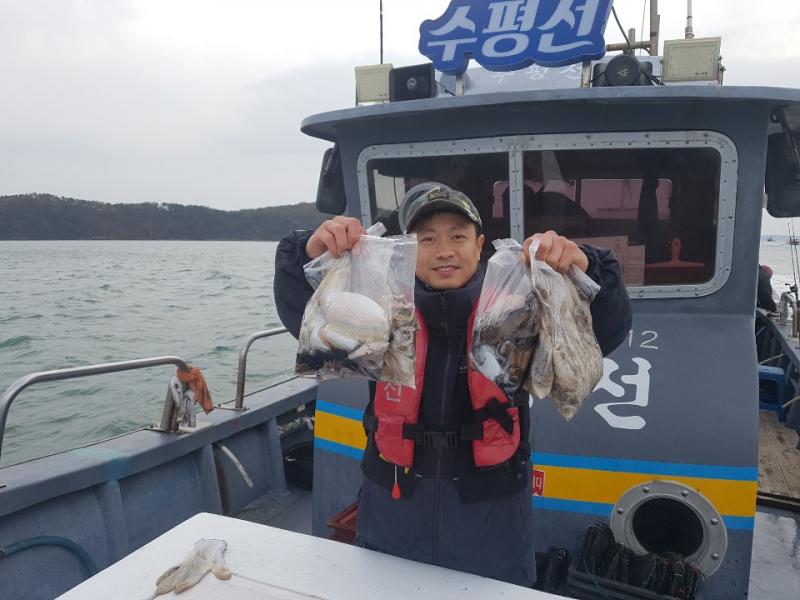 11월 10일 수평선호 쭈갑낚시 조황입니다.